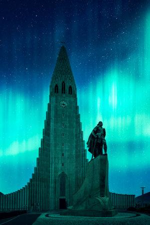 Aurora borealis Northern lights shining over the church Hallgrimskirkja in Reykjavik. Landscape photography Standard-Bild
