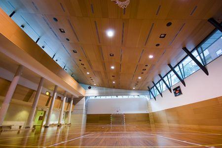 Une vue en perspective de basket-ball en salle de sport tribunal  Banque d'images - 3099221