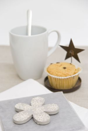 Taza de caf� y panecillo desayuno  Foto de archivo - 3504786