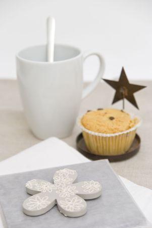 Taza de café y panecillo desayuno  Foto de archivo - 3504786