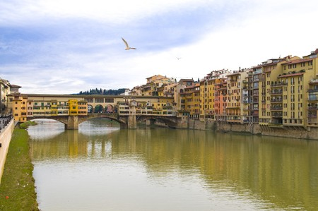 medici: Famous bridge Ponte Vecchio on Arno river in Florence (Firenze), Tuscany, Italy