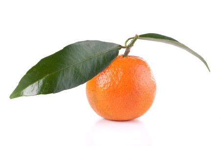 fresh tangerine with leaves isolated on white Stock Photo - 4153358