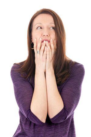 woman issues: Retrato de pensativo mujer madura frustrado sobre blanco