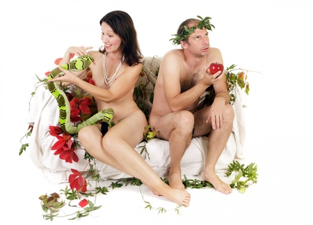 personas discutiendo: kitsch Ad�n y Eva, pareja con problema de relaci�n Foto de archivo