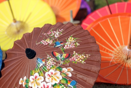 Traditionelle Thai-Regenschirm in Chiang Mai, Thailand Standard-Bild - 14230650