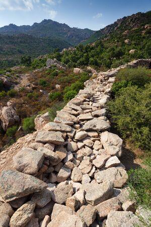 neolithic: neol�tico de la construcci�n en la isla de C�rcega, Francia