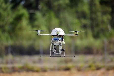 UAV drone vliegen voor een nieuwe spion missie Stockfoto