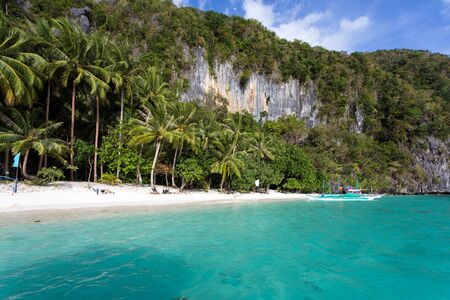 palawan: Tranquil tropical beach in El Nido, Palawan island, Philippines
