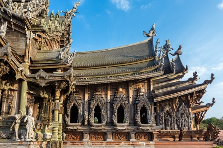 hinduist: Sculpture details  of the  wooden sanctuary of truth, buddhist, chinese, and hinduist temple in Pattaya, Thailand Stock Photo