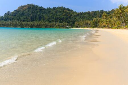 kood: Tropical sea shore of the Ao Phrao beach in Ko Kood island, Thailand Stock Photo