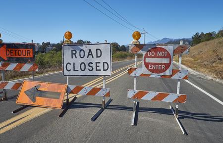 Road Closed sign on highway in California Banco de Imagens