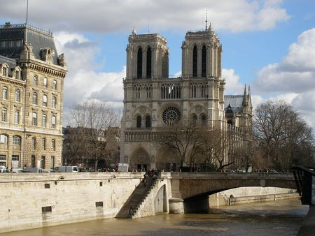 PARIS - NOTRE DAME CATHEDRAL - Fa�ade photo