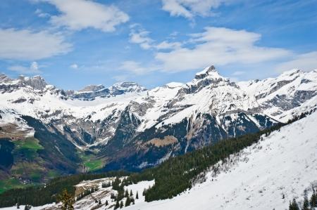 swiss alps: Urner Alpy z Mount Hahnen w Engelberg, Obwalden, Szwajcaria Zdjęcie Seryjne