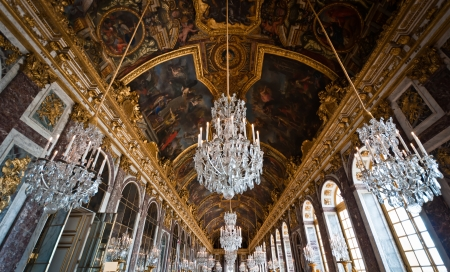 king palace: Famous Hall of mirror of Palace of Versailles (Château de Versailles) in Paris, France
