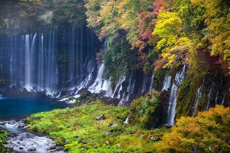 Autumn scene of Shiraito waterfall in the southwestern foothills of Mount Fuji, Shizuoka, Japan 版權商用圖片 - 70066665