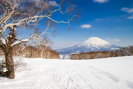 Mount Yotei from Niseko ski resort, Hokkaido, Japan. Banco de Imagens