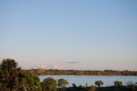 rio amazonas: Vista de r�o Amazonas Sinchicuy �rea  Foto de archivo