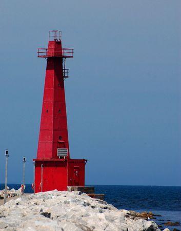 lake michigan lighthouse: Red faro en el lago Michigan, Muskegon, MI, vertical  Foto de archivo