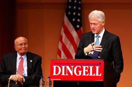 ANN ARBOR, MI - OCTOBER 24: Former President Bill Clinton speaks Stock Photo - 8149803