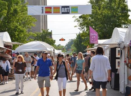 fair: ANN ARBOR, MI - JULY 23: Crowds enjoy Ann Arbor