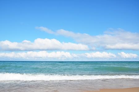lake michigan lighthouse: La costa del Lago Michigan en Pt. Betsie faro