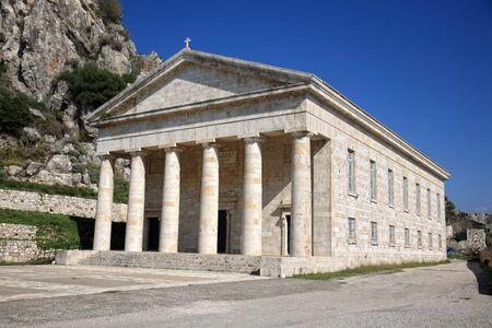 grec antique: magnifique temple grec antique � Corfou, Gr�ce