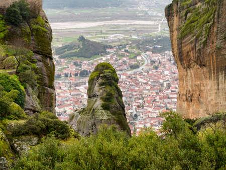 kalabaka: the view of kalabaka town underthe rocks of  meteora mountain in north Greece Stock Photo