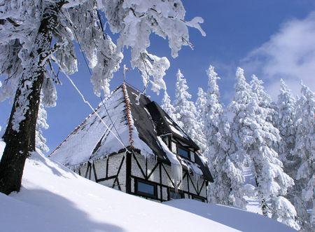 Winter house Stock Photo - 331339