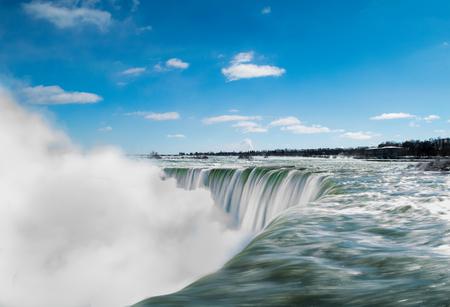 Long exposure of Niagara Falls in winter. Stok Fotoğraf