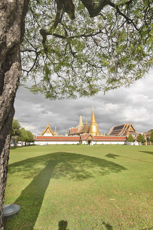 phra si rattana chedi: BANGKOK THAILAND - August 2015: Wat Phra Kaew or The Emerald Buddha in The Grand Palace Complex at afternoon