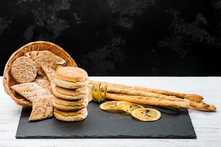 classical Italian fresh delicious homemade raisin scones, cracke Archivio Fotografico