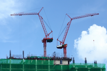 2 Building cranes working on top of the building Stock Photo - 16309505