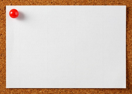 Note memo paper with red pin on cork board photo