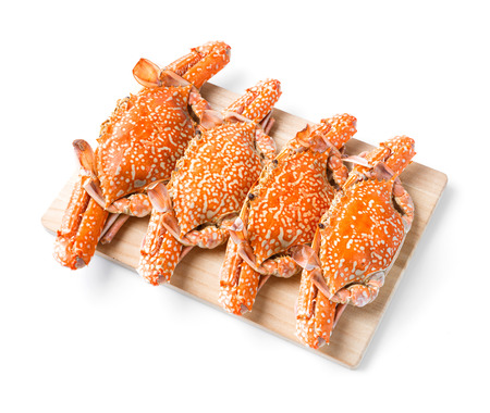 cutting horse: Steamed flower crab served on wooden chopping board