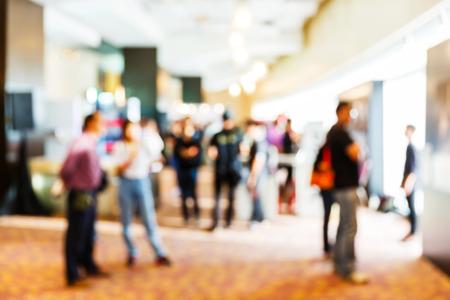 reunion de personas: Abstract gente borrosa en caso rueda de prensa, concepto de negocio