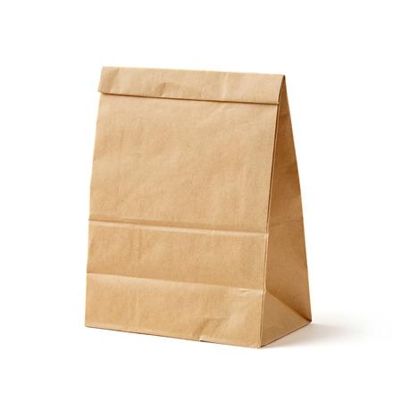 reciclable: color de la bolsa de papel reciclado marrón aislado en blanco, el concepto reciclables Foto de archivo