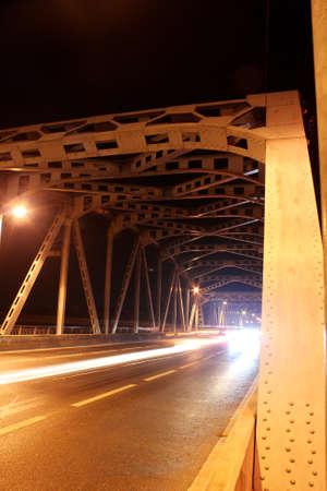 brige: Puente con metal Foto de archivo