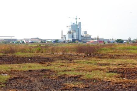 Contaminación del suelo agrietado