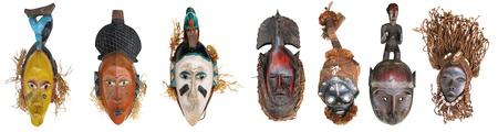 Las máscaras africanas originales, hechos a la manera tradicional Foto de archivo