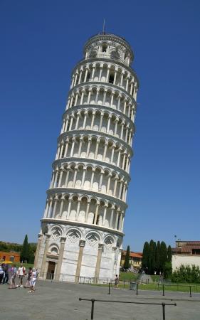 La famosa torre pendente di Pisa, Toscana, Italia