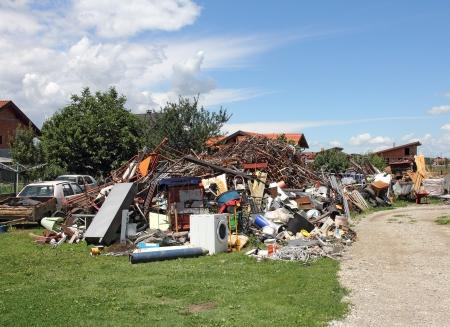 metallschrott: Ein großer Haufen von all den verschiedenen Arten von Schrott, bereit für das Recycling