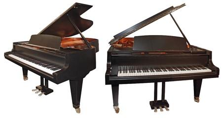 grand piano: Piano de cola aislado en un fondo blanco