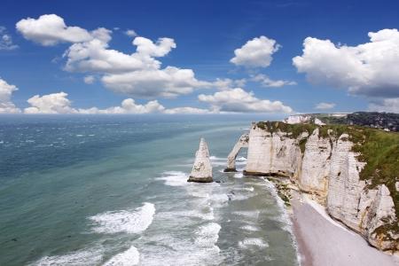 Etretat, natürlichen Felsentor Wunder, Klippe und Strand der Normandie, Frankreich