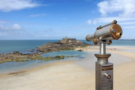 st  malo: A coin telescope directing to the sea, in St Malo, France Stock Photo