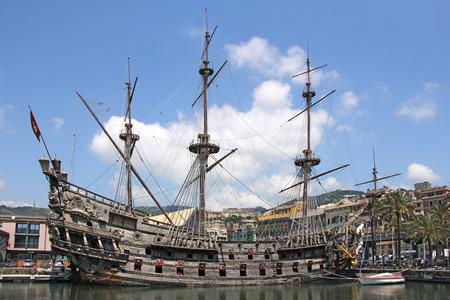 deck cannon: Galeone Neptune old wooden ship, tourist attraction in Genoa Editorial
