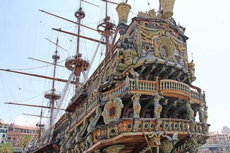 Stern nave Galeone Neptune nel porto antico di Genova, Italia Archivio Fotografico - 33295079