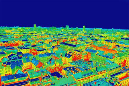 Infrarrojo panorama imagen ThermoVision de Zagreb, que muestra la temperatura diferencia Foto de archivo