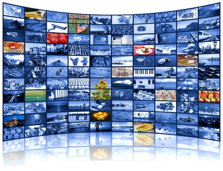 TV 스크린의 큰 비디오 벽과 같은 다양한 이미지