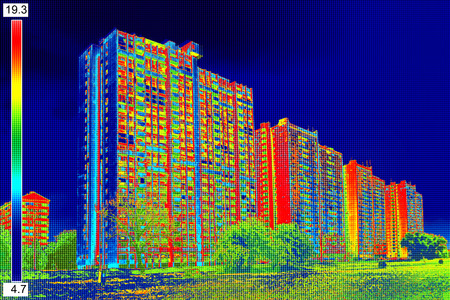 eficiencia: Infrarrojo ThermoVision imagen que muestra la falta de aislamiento térmico en edificios residenciales