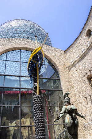 Figueras, SPAGNA - 25 GIUGNO 2016: Dettagli da Museo di Dalí, il 25 giugno, 2016 Figueras, Catalogna, Spagna. Nel museo è la più grande collezione di opere di Salvador Dali.